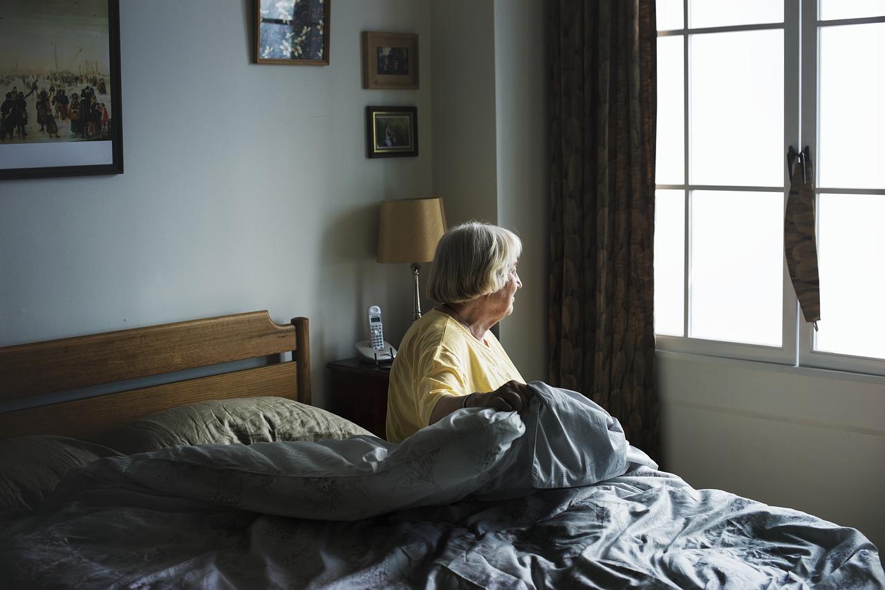 découvrez les astuces pour aider votre proche âgé