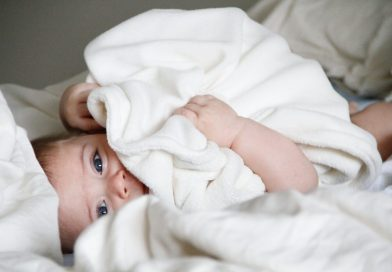 Santé bébé : pourquoi ne pas couvrir la poussette avec un linge