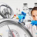 Coronavirus: des traitements sont-ils réellement en vue?
