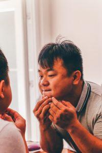 L'acné : quel traitement adopter pour s'en débarrasser ?