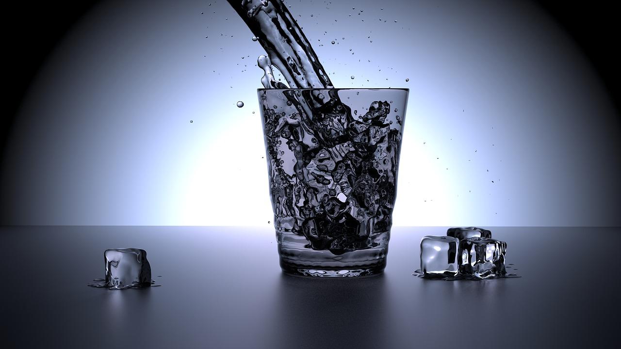 Boire de l'eau glacée n'est pas vraiment recommandé
